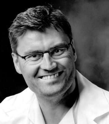 I 2006 innrømmet kreftforskeren Jon Sudbø at han hadde diktet opp data, og i etterkant ble de aktuelle artiklene trukket tilbake. Likevel henviser andre forskere fortsatt til resultatene hans. (Foto: Radiumhospitalet / NTB Scanpix)