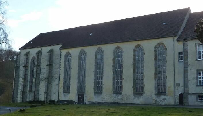 Kirken ved Dalheim-klosteret i Tyskland, hvor levningen ble funnet. Det tidligere klosteret brant ned. (Bilde: Chris06/CC BY SA 3.0)