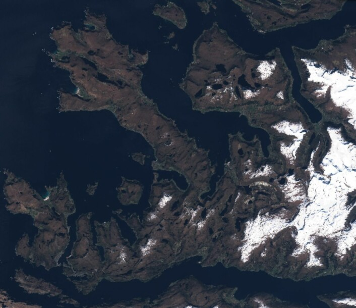 """""""Ut mot havet"""". Stadlandet sett fra Sentinel-2 fredag 5. mai. (Bilde: Copernicus Sentinel data)"""