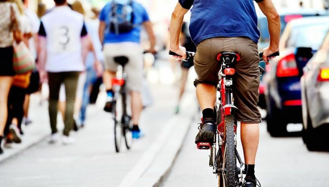 Enkle tiltak som å sykle til jobben påvirker de andre i bedriften. (Illustrasjonsfoto: connel / Shutterstock / NTB scanpix)