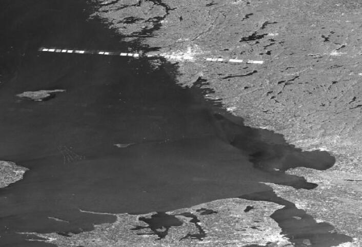 En noe forvirret radarsatellitt passerer Gøteborg. (Bilde: Copernicus Sentinel data 2017)