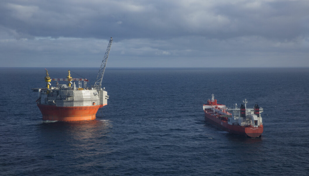 Oljen i Barentshavet er fortsatt lite utforsket sammenlignet med i Norskehavet. Bildet viser Goliat-feltet som er det første oljefeltet som har startet produksjonen i den norske delen av Barentshavet.  (Foto: Jan-Morten Bjørnbakk / NTB scanpix)