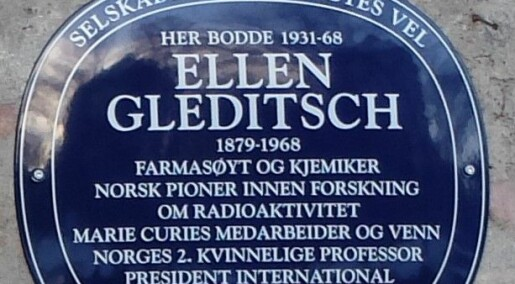 Ellen Gleditsch var Norges første spesialist på radioaktivitet. Nå hedres hun med blått skilt i Oslo.
