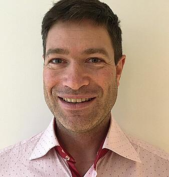 Arne Nakling er overlege og forsker i et prosjekt som ser etter måter å oppdage sykdommen i en tidlig fase. (Foto: Kirsti Ellefsen)