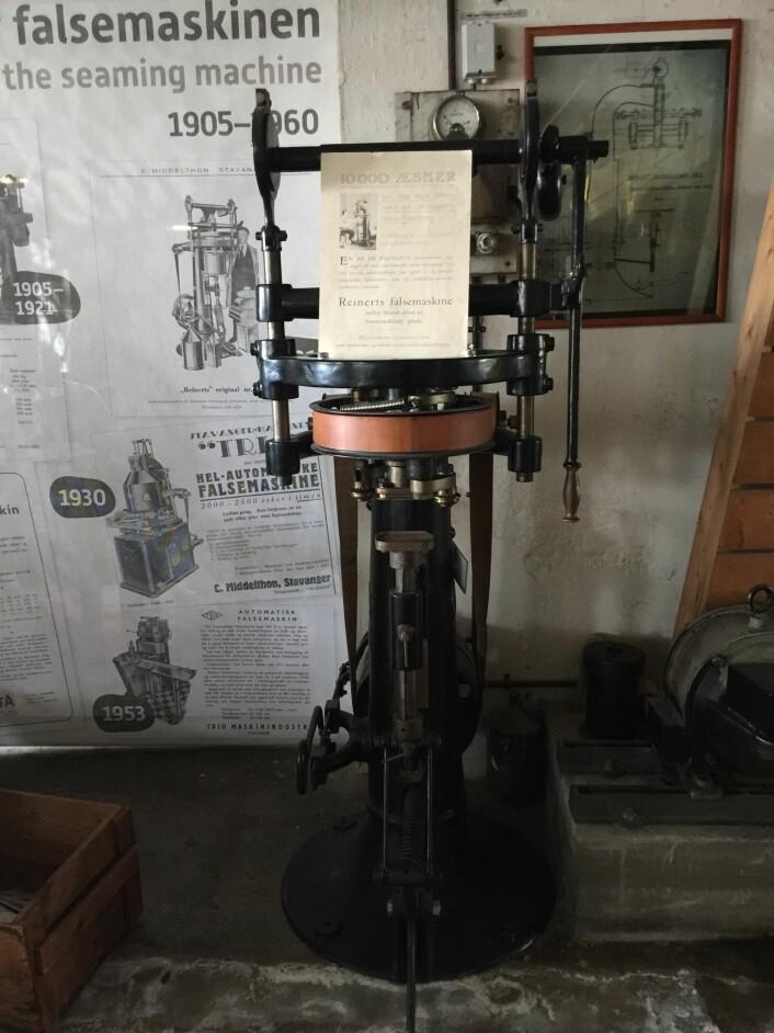 Reinert falsemaskin, satt i produksjon i 1905 Foto: MUST/ Norsk hermetikkmuseum