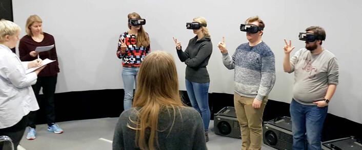 Med VR-briller kan du få et helhetlig inntrykk av hvordan et planlagt uteområde vil utvikle seg over tid. (Foto: Ramzi Hassan)