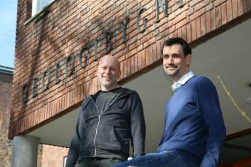 UiO-forskerne Sebastian Westermann (til høyre) og Bernd Etzelmüller har vært med på å utvikle permafrostmodeller som kan forutsi hvor og når permafrosten vil tine. (Foto: Gunhild M. Haugnes/UiO)