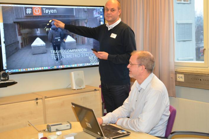 Roy Bahr og Lars-Cyril Blystad har utviklet appene TravelCompanion og LocationCompanion. (Foto: Lisbet Jære)