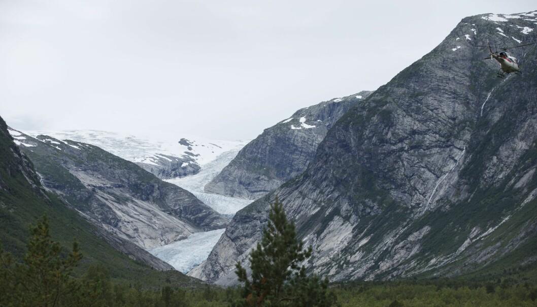 Nigardsbreen, som er en brearm av Jostedalsbreen, har trukket seg tilbake en kilometer siden 1963. (Foto: Berit Roald / NTB scanpix)