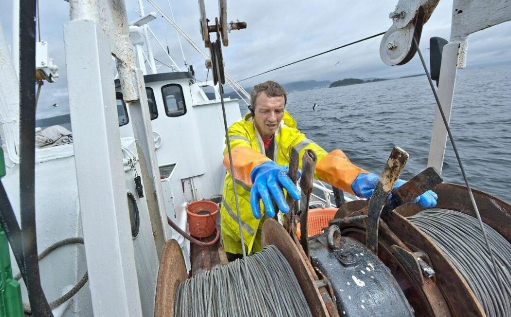 Store mengder død fisk dukket opp i trålen til Geir Solhaug. Det hadde den erfarne fiskeren aldri opplevd før i Oslofjorden. Bildet er tatt ved en annen anledning. (Foto: Christian Clausen)