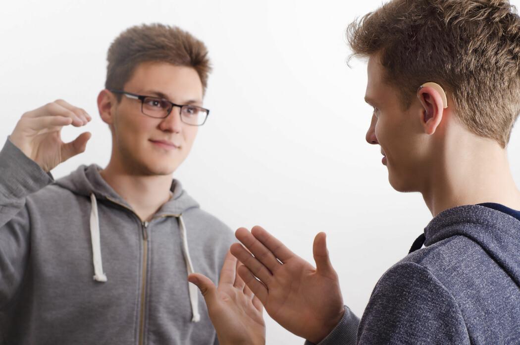 De aller fleste uten hørsel kan tegnspråk. Man kan man tenke i tegn? (Foto: Phoenixns / Shutterstock / NTB scanpix)