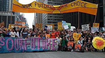 Marsj for vitskapen i meir enn 500 byar verda over
