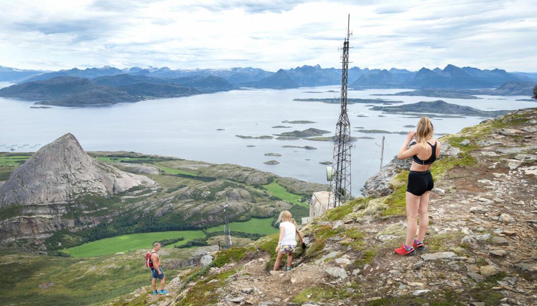 Opplevelser i Nordlands unike natur er en av satsingsområdene i regionens strategi for smart spesialisering. Foto: Gorm Kallestad, NTB Scanpix)