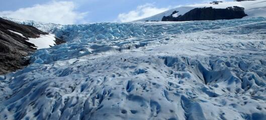 Bli med på tur til laboratoriet under isen