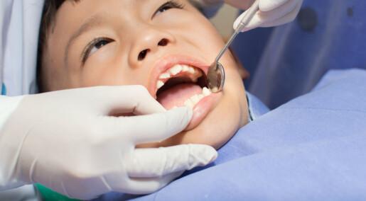 Vil finne den beste metoden mot hull i tennene