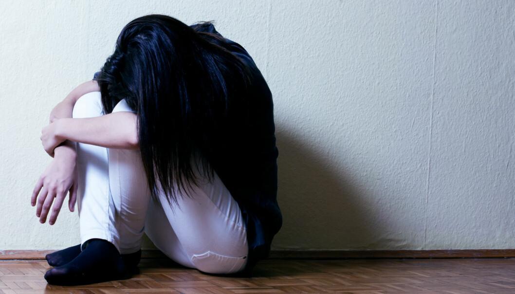 Forskerne tror at både voldelig kriminalitet og selvskading blir utført av mennesker som er ekstra sårbare for impulsiv og aggressiv oppførsel. (Foto: Shutterstock / NTB scanpix)