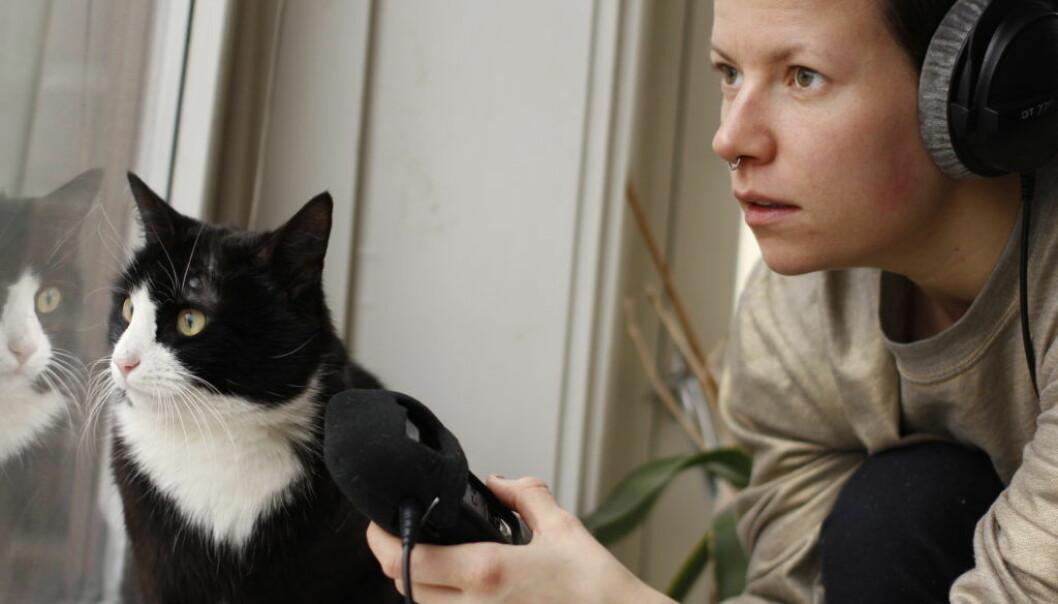 – Fordelen med podcast er at du kan la innholdet bestemme mye mer, sier Tine Eide. Hun lager podcaster til barn. (Foto: Privat)