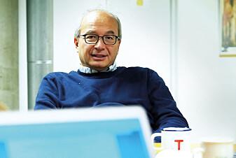 Arnoldo Frigessi er hovedmannen bak den nye ideen om å lage titusenvis av virtuelle kopier av den enkelte kreftpasient, for så å teste ut alle behandlingene i en simuleringsmodell for å finne den mest optimale behandlingen. (Foto: Ola Sæther / Apollon)