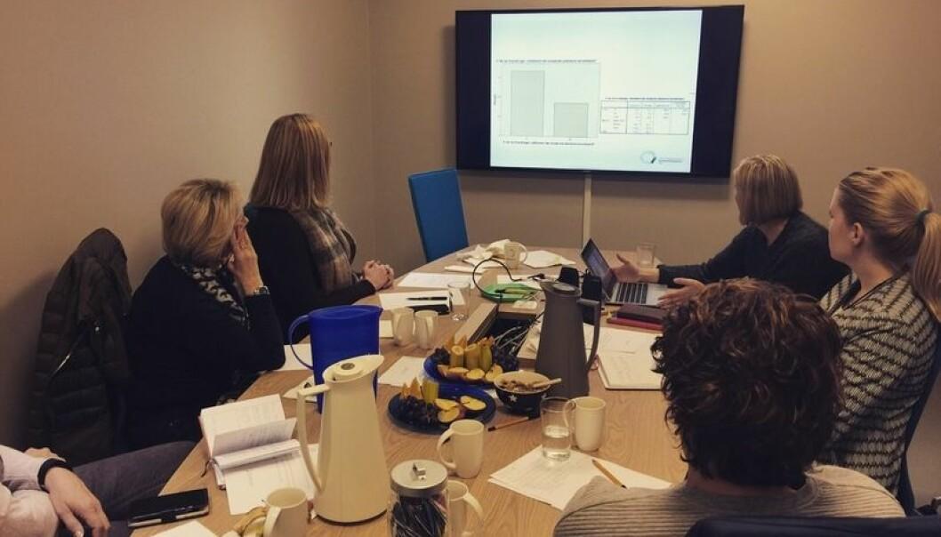 Folkehelserådgivere på nettverkssamling hos Tannhelsetjenestens kompetansesenter. (Foto: TkØ)