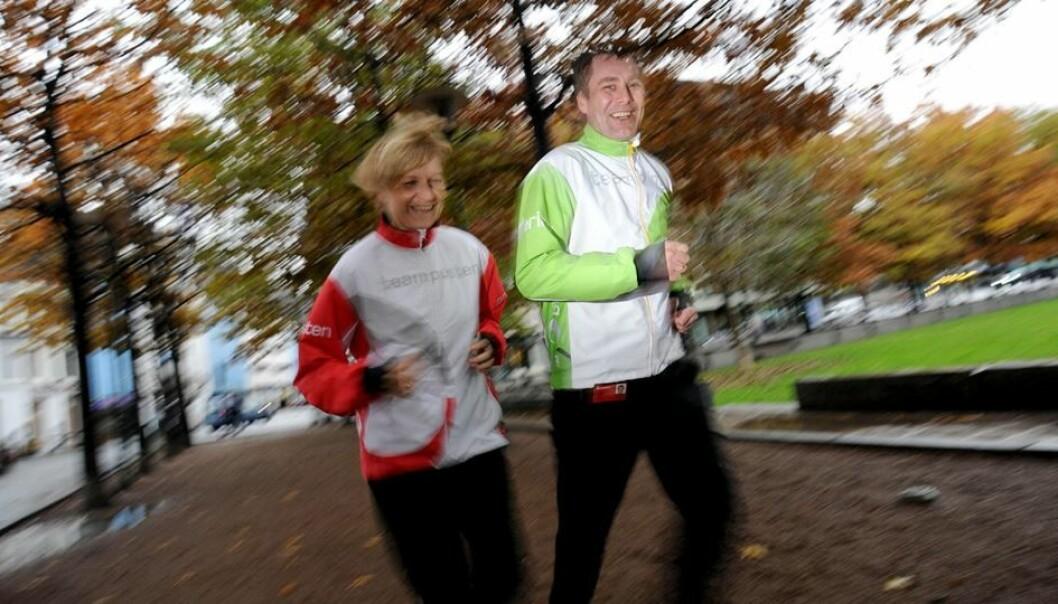 Randi Løvland og Kyrre Holstad fra Posten Norge tok del i et opplegg som fikk flere medarbeidere til å begynne å trene. (Foto: Birger Morken, Posten)