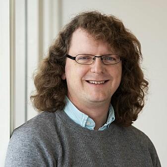 Bjørn Smestad forsker på matematikkeksamen på 10. trinn. Han er opptatt av matematikkhistorie og hvordan historien kan brukes for å motivere elevene til å lære mer matematikk. (Foto: Sonja Balci)