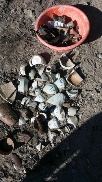 Keramikkdeler funnet på Torvet Foto: NIKU