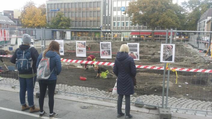 Stor interesse for utgravningen i Trondheim Foto: NIKU