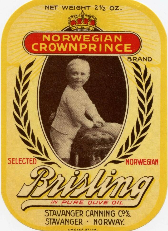"""Tidlig utgave av """"Norwegian Crown- Prince, med bilde av en ung Kronprins Olav Foto: MUST/ Norsk hermetikkmuseum"""