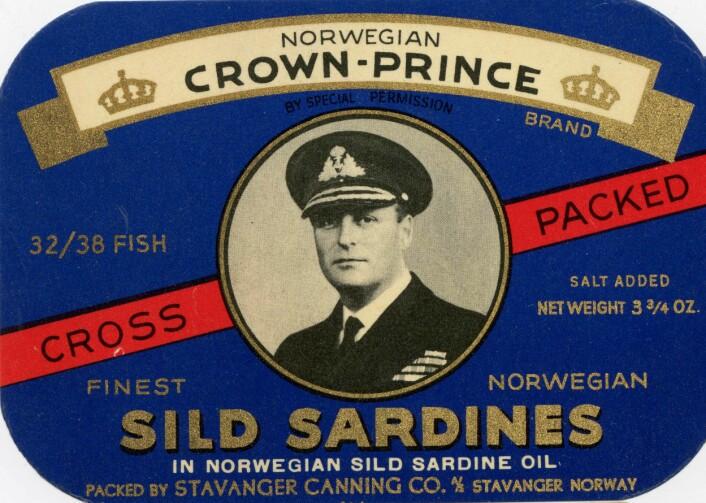Utgave av Norwegian Crown- Prince etter at bildet ble byttet ut i 1948 Foto: MUST/ Norsk hermetikkmuseum