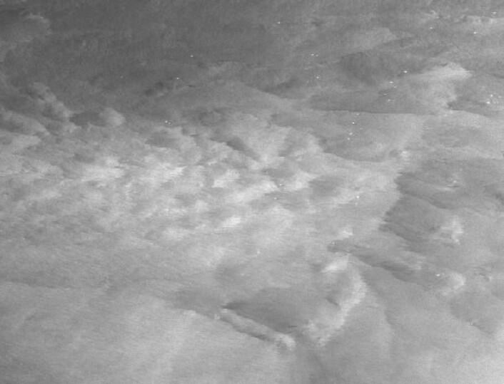 Radarbilde tatt fra Sentinel-1A 10. mars 2017, i Nordsjøen mellom Shetland og Bergen. (Bilde: Copernicus Sentinel data 2017).