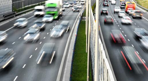 Forskere og politikere i opphetet debatt om høyere fartsgrenser i Danmark