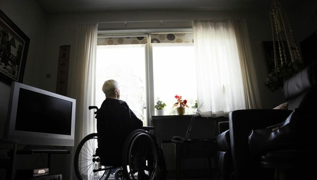 Om noen tiår vil 10 prosent av Norges befolkning være over 80 år. Dagens politikk for eldre kan oppsummeres i mantraet «Hjemme så lenge det går.» Men skal enda mange flere eldre kunne bo hjemme, er det også behov for flere boliger som er tilrettelagte for eldre.  (Illustrasjonsfoto: Kåre Viemose/ Scanpix)