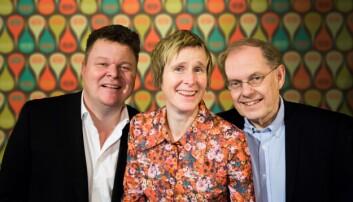 I Linda Eides Språksjov møtes professor Gunnstein Akselberg (t.h.) og kapellmester Sjur Hjeltnes for å diskutere alt som er fint, morsomt og rart med det norske språket. (Foto: Sindre Skrede / NRK)