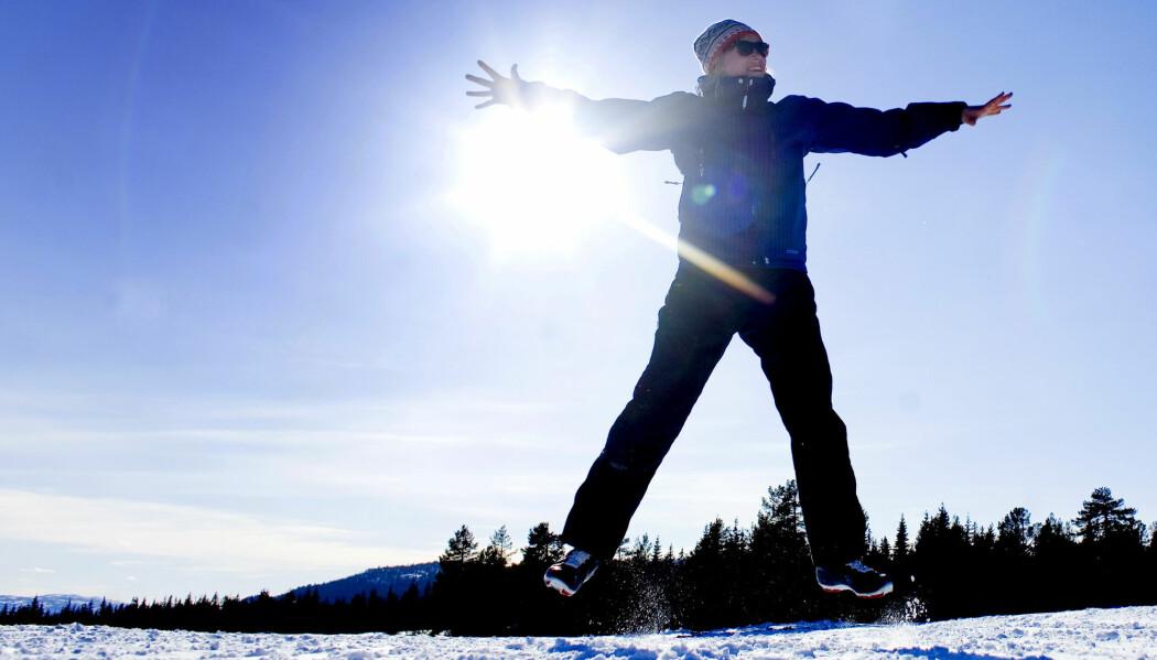 Nordmenn er ifølge internasjonale lykkeundersøkelser generelt lykkelige. Men noen er mer fornøyd enn andre. Er det på grunn av omgivelsene eller genene våre? (Foto: Sara Johannessen, NTB Scanpix)