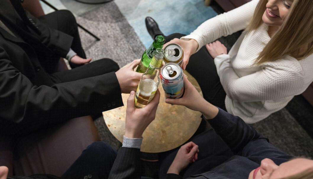 Andelen som drikker alkohol eller prøver narkotika er større blant ungdom som hadde hatt atferdsproblemer som barn. (Illustrasjonsfoto: NTB Scanpic/Gorm Kallestad).