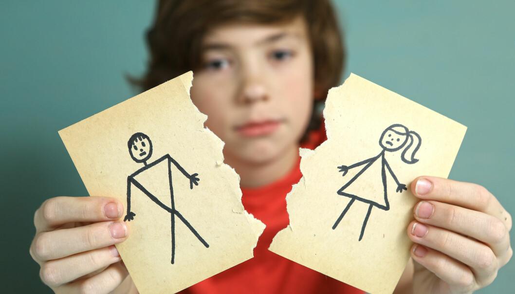 Barn som er små når foreldrene skiller seg, lever kortere tid i familiekonflikt, men opplever de allikevel skilsmissene som vanskeligere? (Foto: Lapina / Shutterstock / NTB scanpix)