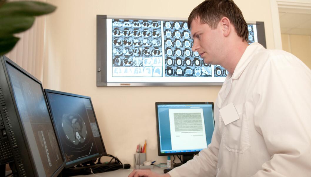 I en gjennomsnittlig pasientjournal er det rundt 200 dokumenter. Leger trenger ofte en oversikt raskt for å kunne ta riktig beslutning om behandling.  (Illustrasjonsfoto: Alex Kh / Shutterstock / NTB scanpix)