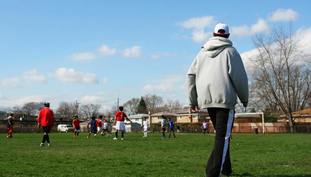 Forsker oppfordrer trenere til å vektlegge idrettsglede fremfor å vinne kamper.  (Illustrasjonsfoto: Colourbox)