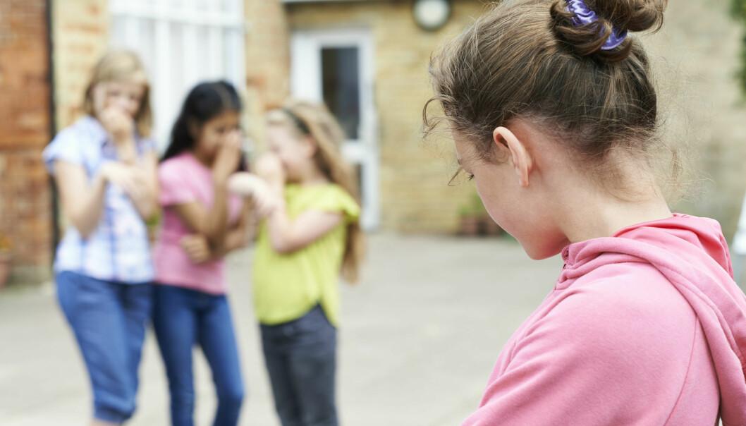 En ny studie viser at barn som blir utsatt for mobbing, opplever at de ikke får nok støtte og tilsyn fra lærere.  (Illustrasjonsfoto: Colourbox)