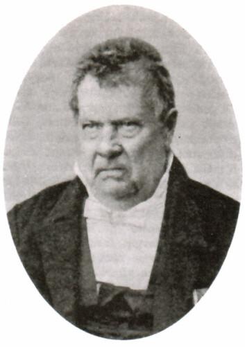 Peter Vogelius Deinboll var født i København, men ble etter hvert kjent som både prest, politiker og naturforsker i Norge. Planteslekten Deinbollia er oppkalt etter ham, og han gjorde viktige funn i Øst-Finnmark og i de norsk-russiske grensestrøk. (Foto: Wikimedia Commons, fri bruk)
