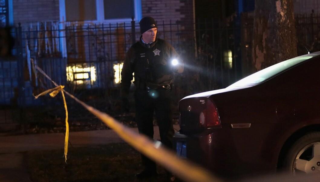 USA har skyhøy kriminalitet i enkelte storbyer, men det kan være tryggere i områder med mange innvandrere. Her fra Chicago, der 4000 mennesker ble skutt i 2016. (Foto: Scott Olson/AFP/NTB scanpix)