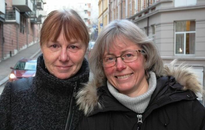 Joron Pihl (til venstre) og Kristin Skinstad van der Kooij har vært med på å skrive en bok om hvordan lærere og bibliotekarer kan samarbeide om elevens lesing. (Foto: Høgskolen i Oslo og Akershus)