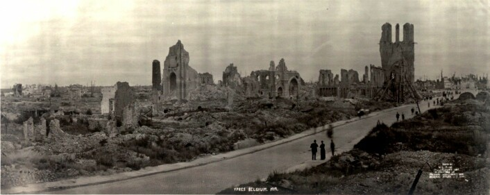 Ruinene av Ypres i 1919, etter at krigen var slutt. (Foto: W.L. King)
