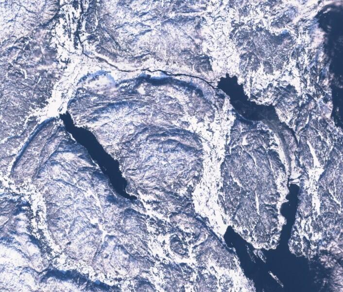 Drammen og omegn sett fra Sentinel-2A søndag 12. februar. Tvillingen Sentinel-2B skal skytes opp i mars. (Bilde: Copernicus Sentinel data)