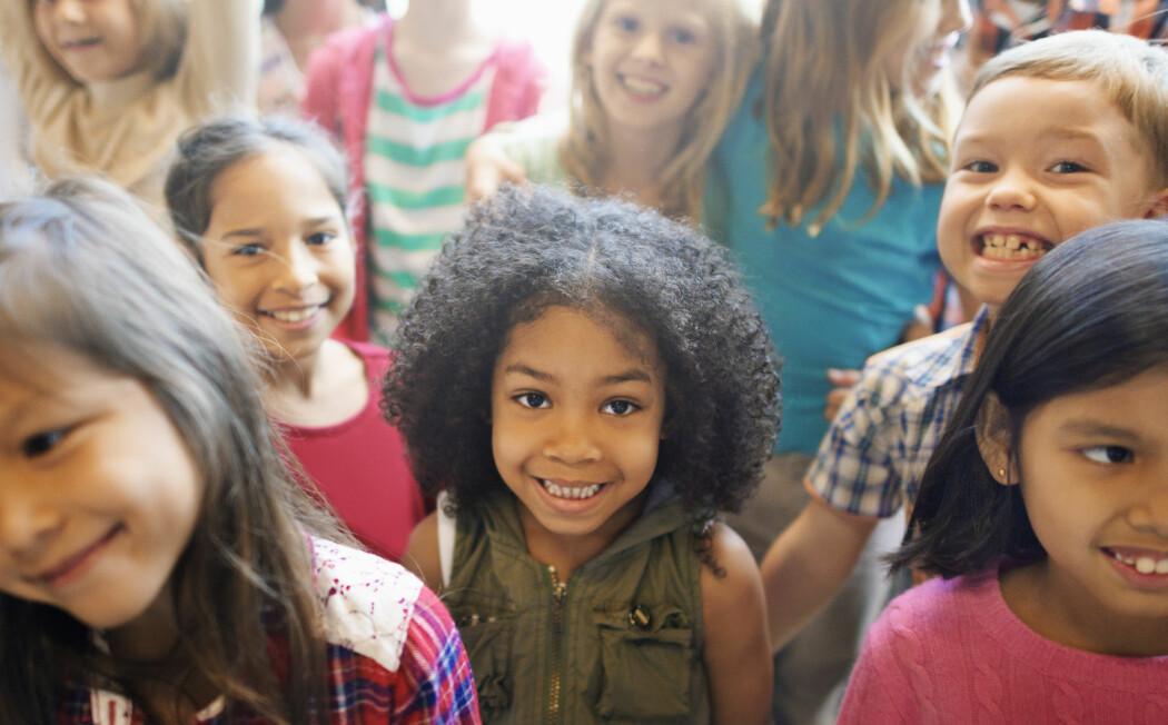 Vi trenger nye forsøk for å finne ut om antallet elever i en klasse har betydning for utbyttet av undervisningen. (Foto: Rawpixel.com / Shutterstock / NTB scanpix)