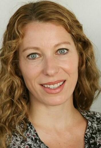 Stine Eileen T. Løkkeberg er opptatt av hvilke følelser og motivasjoner som påvirker mennesker når de skal kommunisere ubehagelig informasjon. (Foto: Høgskolen i Østfold)