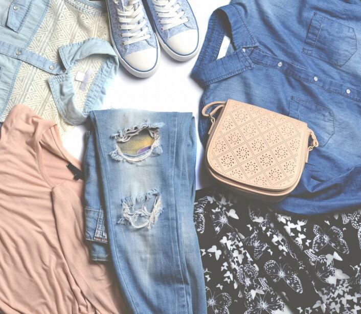 Brukte klær er populært både å handle i butikken og å sende ut av landet som hjelp til dem som trenger det mer. (Illustrasjonsfoto: Shutterstock / NTB scanpix)