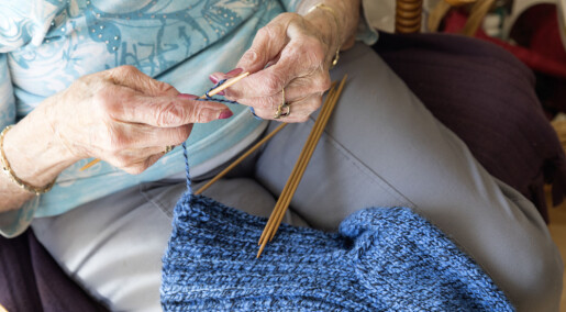 Kryssord, strikking og hagearbeid senker risikoen for Alzheimers