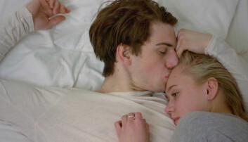 Noora og Williams forhold i tv-serien Skam fører til avanserte diskusjoner i ungdomsmiljøene om for eksempel kjønnsroller, finner forskere.  (Foto: NRK)