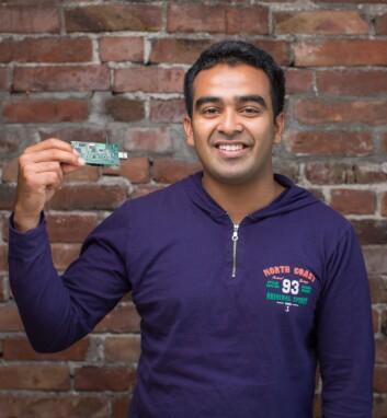 Ajith Kumar disputerer på UiA i disse dager på en avhandling om effektivisering av batterier i trådløse nettverk. (Foto: Øyvind Ganesh Eknes)